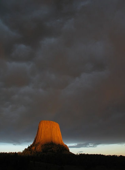 The-Most-Famous-And-Scary-Devil-Tower-04