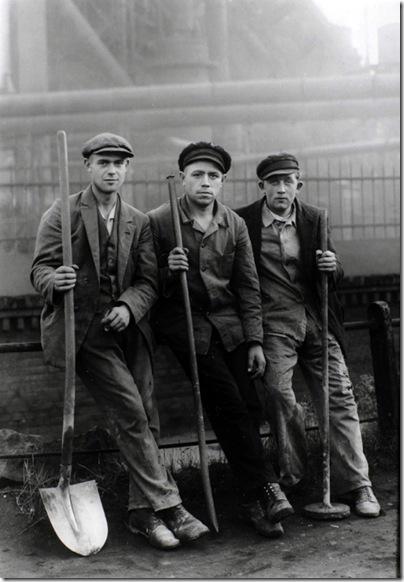 August Sander  - Road workers Ruhrgebeit