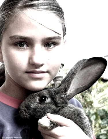 memories_about_a_girl_and_a_rabbit_by_lavinia_rorich
