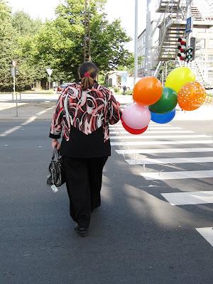 Sieviņa ar baloniem
