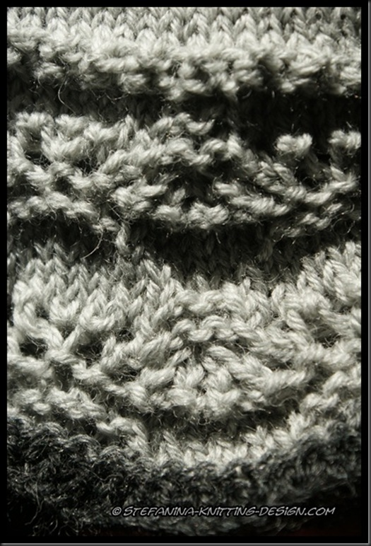 Leontine mittens - close-up