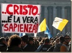 Fieles_plaza_San_Pedro_Vaticano_acuden_oracion_Angelus