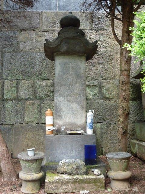 ハリスによって造られたヒュースケンの墓標