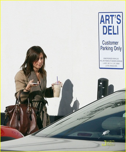 ashley-tisdale-arts-deli-01