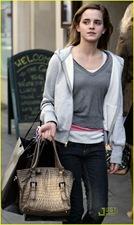 emma-watson-bond-street-shopper-01