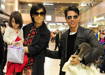 Tom Cruise, Katie Holmes and Suri Cruise sighting at Narita Inte