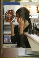 selena-gomez-old-navy-07
