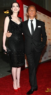 anne-hathaway-valentino-the-last-emperor-29