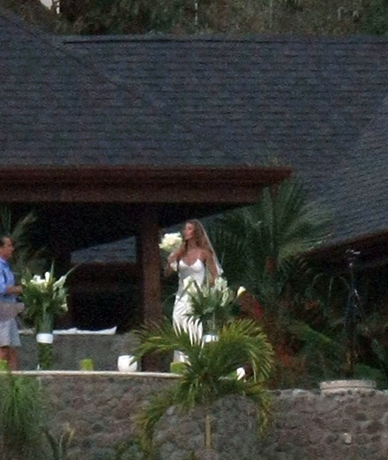 gisele-bundchen-tom-brady-gunshot-wedding-01