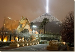 Luxor Las Vegas snow 12-17-08 by Ethan Miller