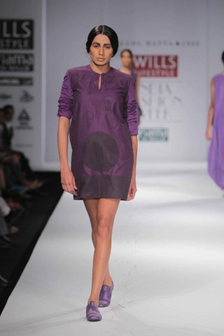 [WIFW SS 2011 collection bby Kallol Datta 1955 7[4].jpg]