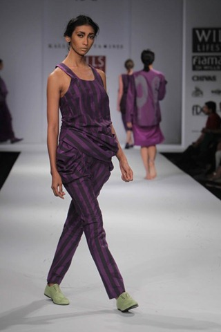[WIFW SS 2011 collection bby Kallol Datta 1955 10[4].jpg]
