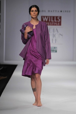 [WIFW SS 2011 collection bby Kallol Datta 1955 14[6].jpg]