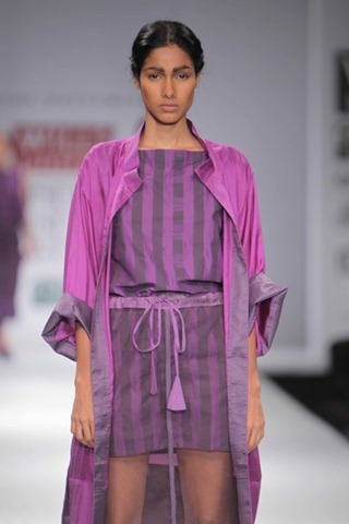 [WIFW SS 2011 collection bby Kallol Datta 1955 15[5].jpg]