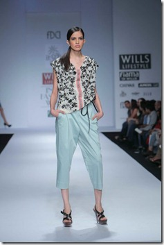 WIFW SS 2011 collection by Vineet Bahl (8)