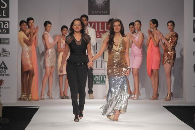 [WIFW SS 2011by Gayatri Khanna (5)[6].jpg]