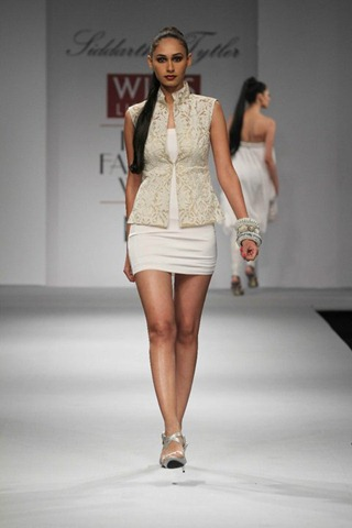 [WIFW SS 2011 collection by  Siddartha Tytler (21)[4].jpg]