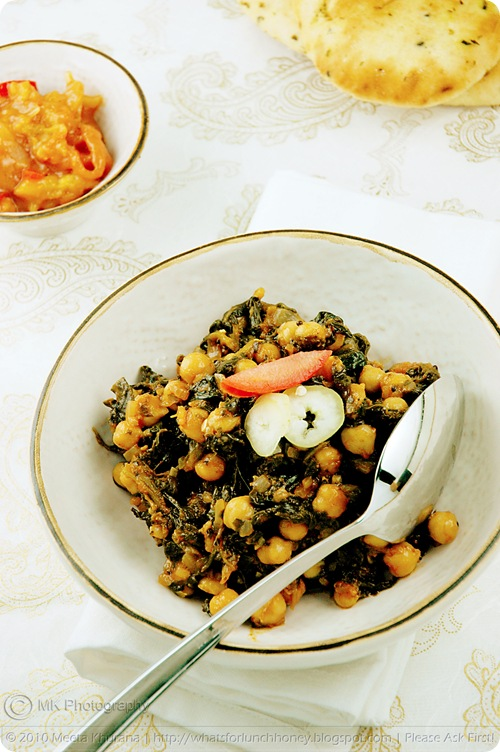 Chickpeas with Spinach – Channa Palak (03) by MeetaK