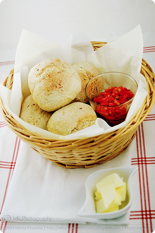 Saffron Wholemeal Whole Wheat Bread Rolls (01) by MeetaK