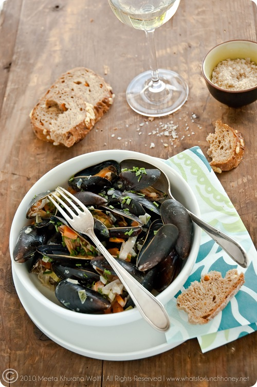 Mussels in a Creamy Garlic Sauce