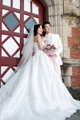 Bride's Couple ; White Wedding Dresses ..