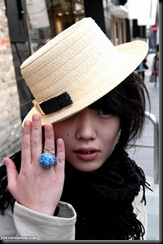 2010-03-19-Harajuku-Hats-033-P6459-600x903