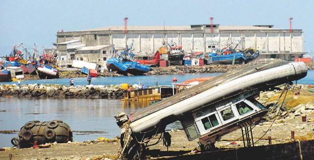 Marinha do Chile alerta para explosivos arrastados para mar após tsunamis