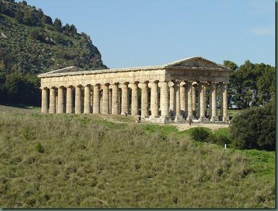 Segesta,_Tempio_greco_(2) (1)
