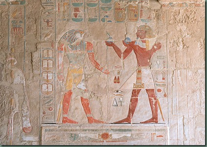 800px-Luxor,_hieroglyphic_decorations_inside_the_Temple_of_Hatshepsut,_Egypt,_Oct_2004_A