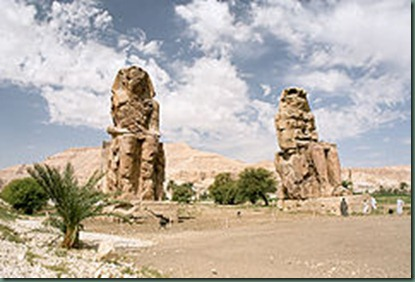 240px-Luxor,_West_Bank,_Colossi_of_Memnon,_morning,_Egypt,_Oct_2004