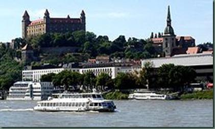 250px-Bratislava_Danube