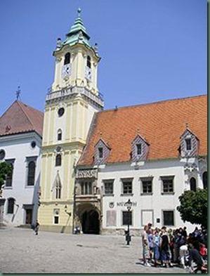 220px-Bratislava-old_town_hall