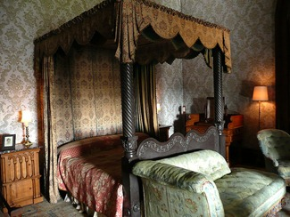Penrhyn Castle, slate bed