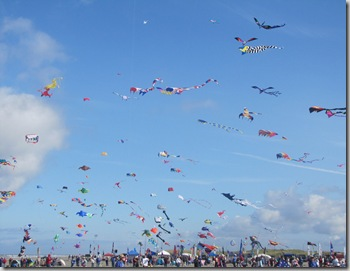 lb_kites_mass_ascension