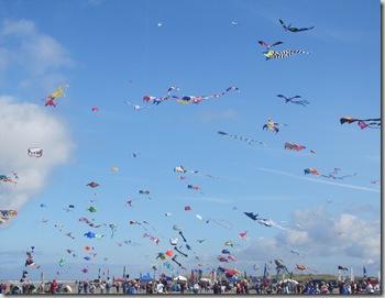 lb_kites_mass_ascension