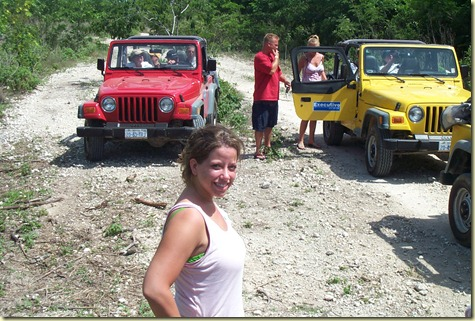 Dcp_0086-amgoe and stopped jeeps