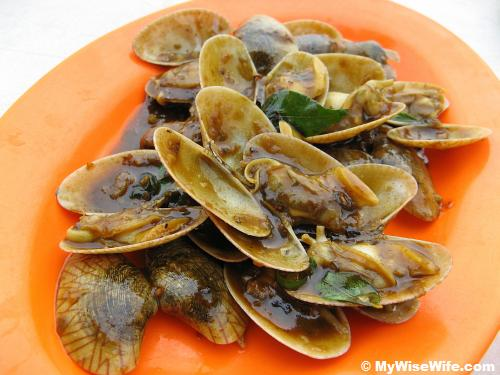 Clams cooked with local spices - aromatic!