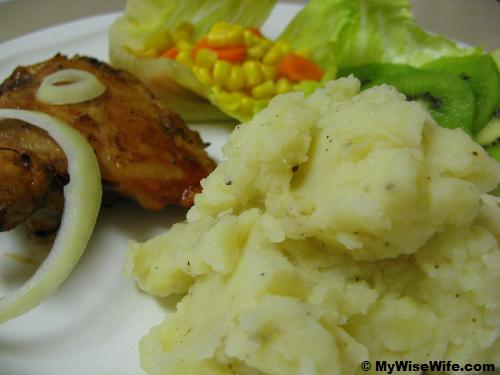 Mashed potatoes with BBQ chicken