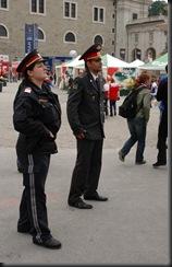 military_woman_austria_police_000001