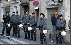 military_woman_austria_police_000022