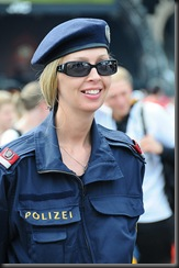 military_woman_austria_police_000037