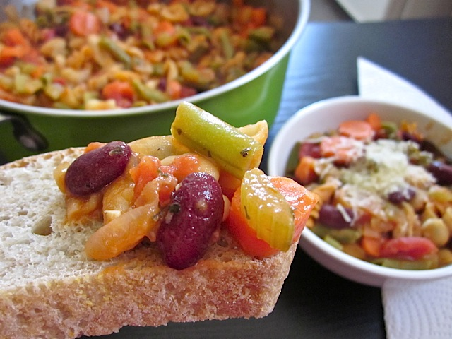 pasta e fagioli on bread