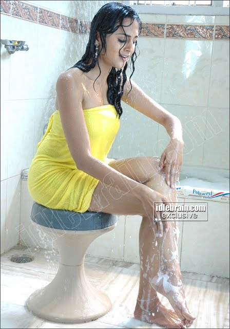South indian actress taking bath – part 3
