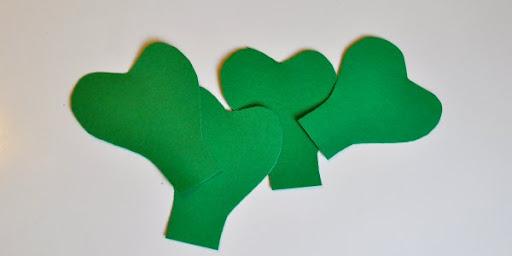 DIY St. Patrick's Day Shamrock Pinwheel 3