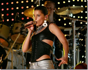 Nelly Furtado Singing Desktop Wallpaper 1280x1024
