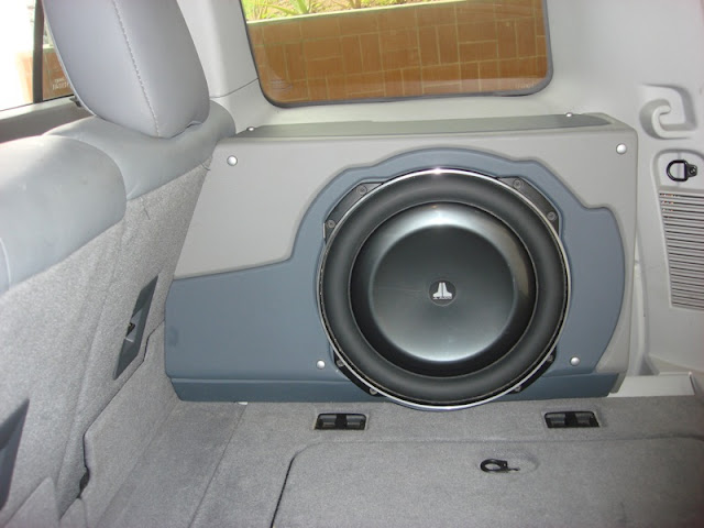 Lost Jeeps View Topic Subwoofer With Stock Hu