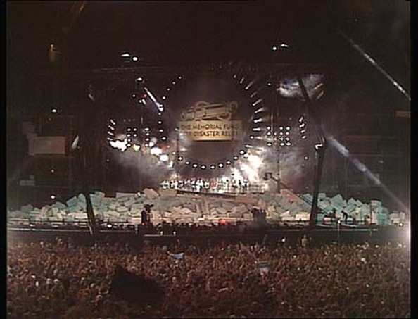 roger_waters_the_wall_live_in_berlin_1_47_21_000