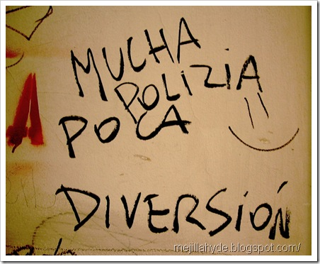 Mucha policía, poca diversión - Graffiti, Buenos Aires, Arte urbano