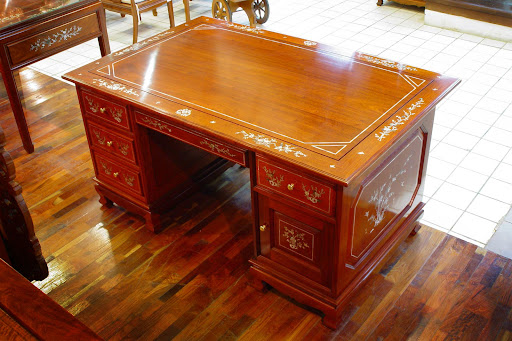 Custom Desk, Solid Wood Desks, Executive Desk, Hand carved desks, Custom