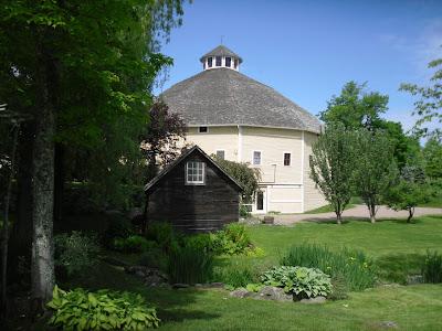 Inn at Round Barn Farm B&B